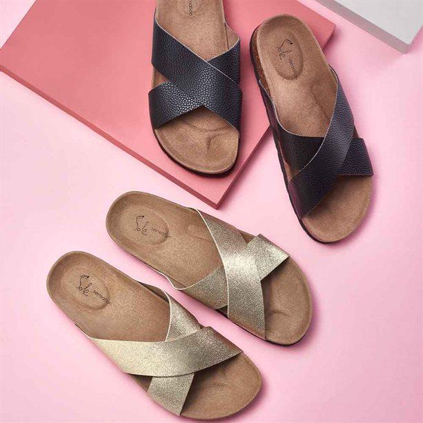 Avon Crossover Mule Sandals - Size 7 Black