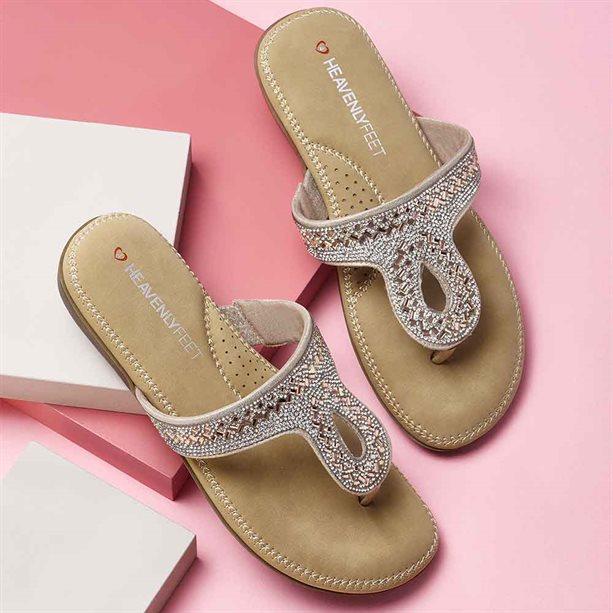 Avon Heavenly Feet Twist Sandals - Size 4