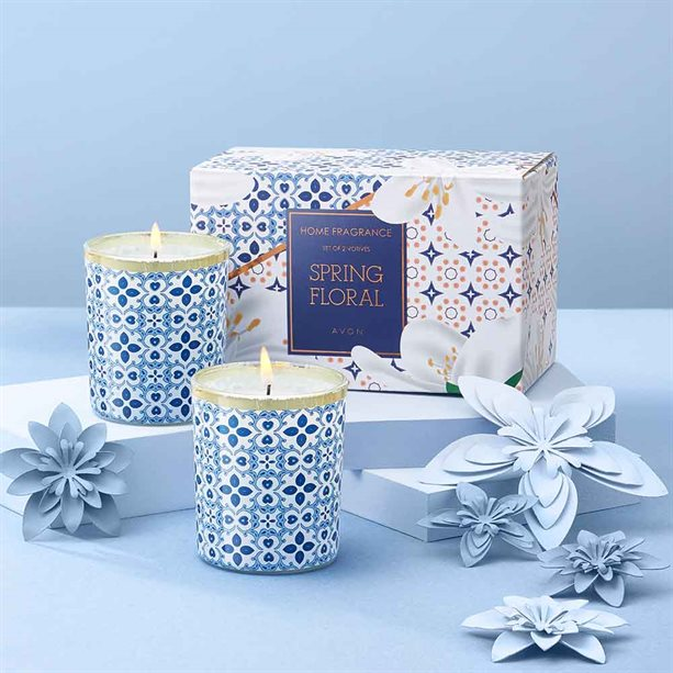 Avon Spring Floral 2 Piece Candle Set - Gift Boxed