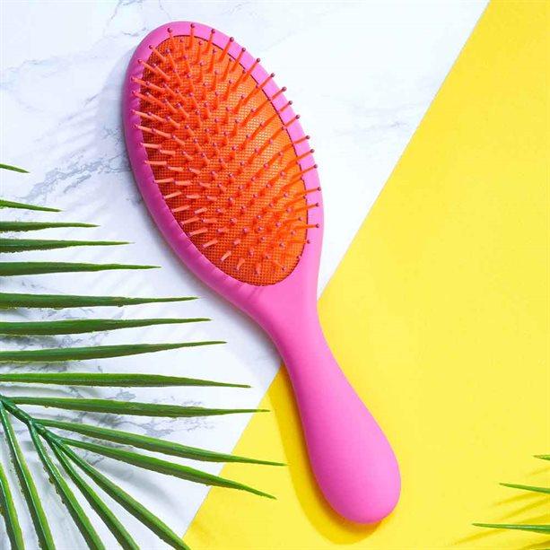 Avon Summer Detangling Cushion Brush